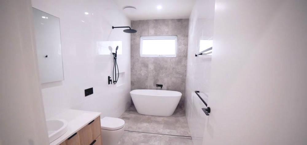 118 Wolger Street COMO bathroom